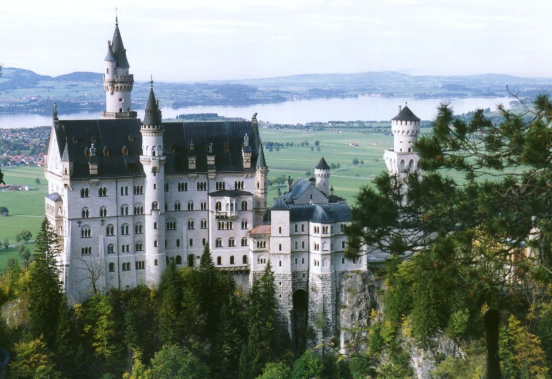 Bavarian-Alps-Neuschwanstein-Castle