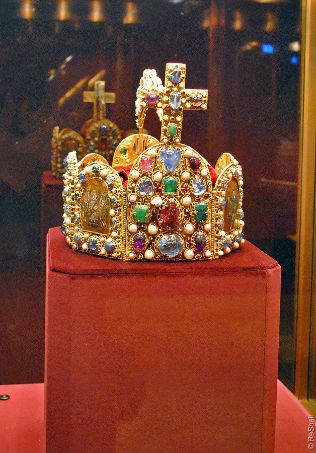 Imperial-Crown-of-Charlemagne