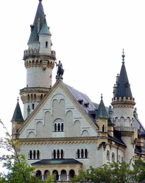 Neuschwanstein-Castle-tower