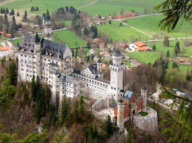 Neuschwanstein-castle-view-from-the-top