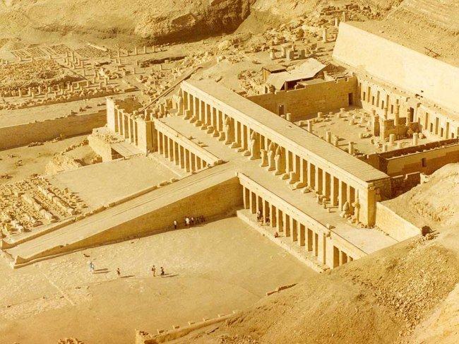 1207712935_egypt_hatshetsup_temple
